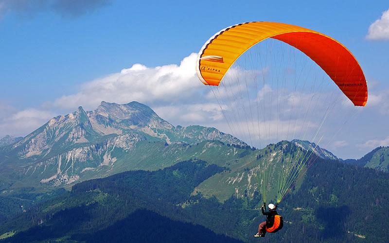 Paragliding in Arta
